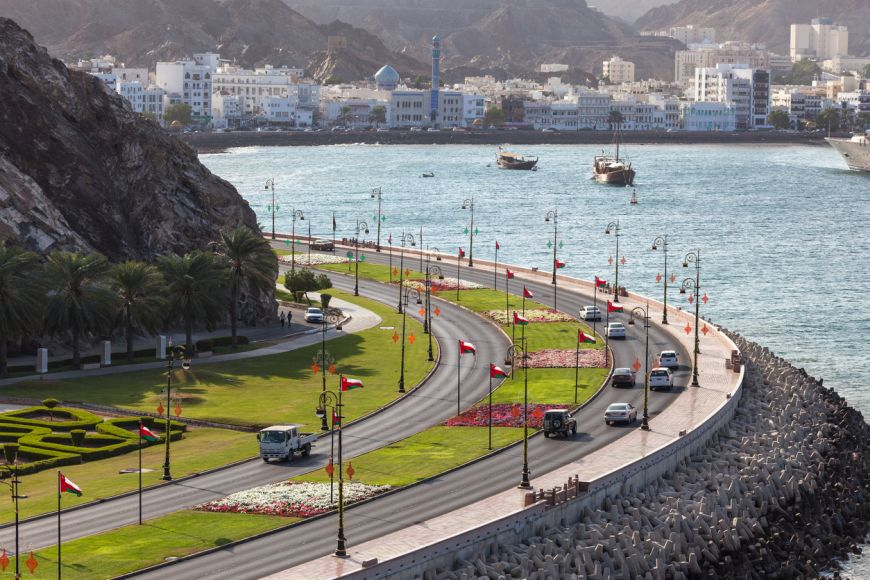 10 Ways to Remain Safe on the Roads While Driving in Oman