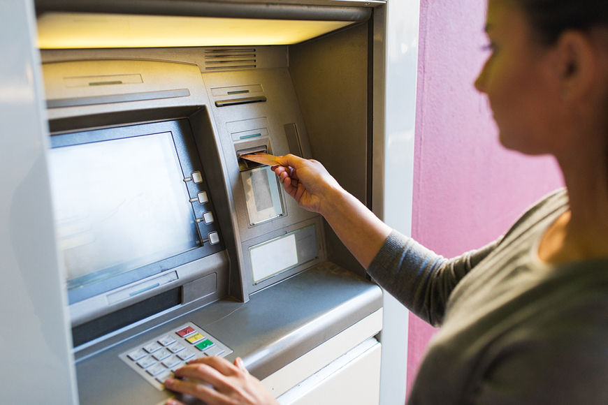 Guide to Opening a Bank Account in Qatar