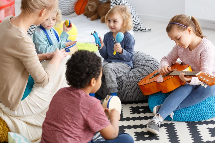 When is the Right Time to Send Your Kids to Music Classes in Dubai
