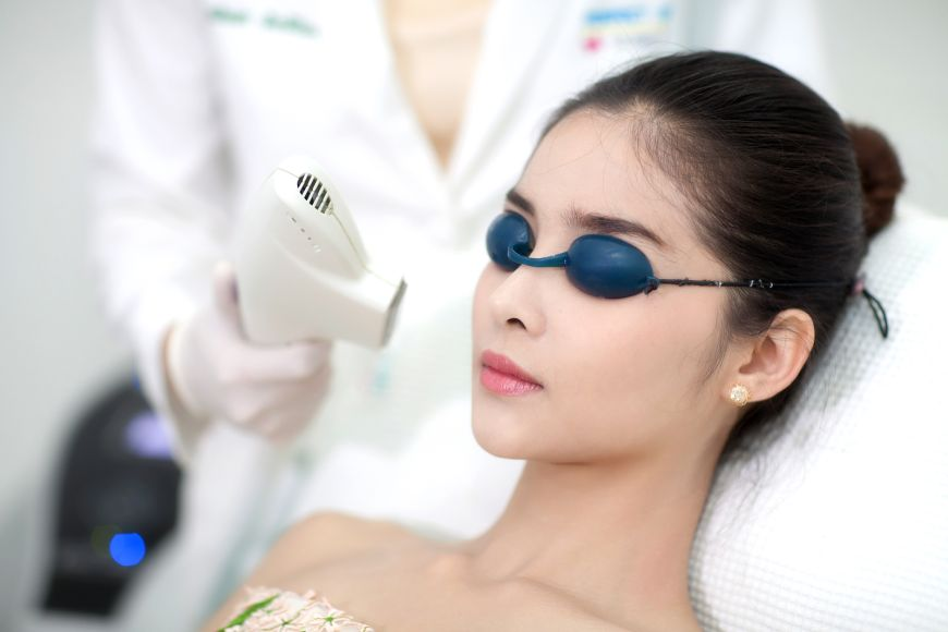 Looking for pain-free Laser Hair Removal with long-lasting results? Stay smooth with Soprano
