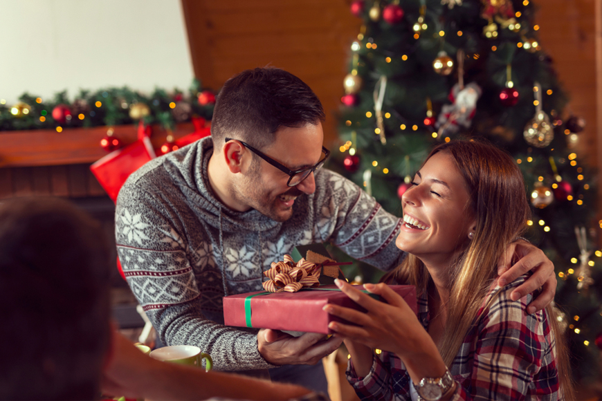Best Christmas Gift Ideas for Couples That They Will Both Love