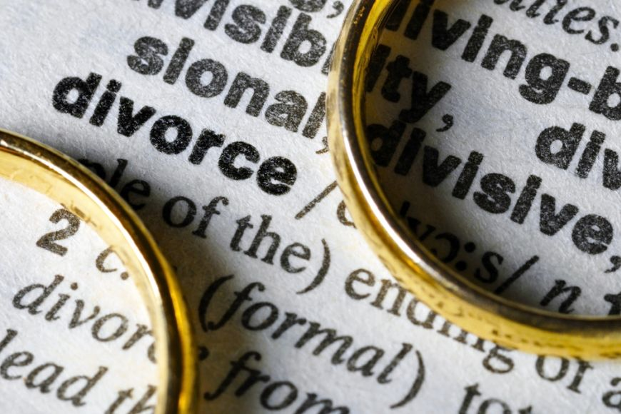 Five Key Questions for British Expats Considering Divorce