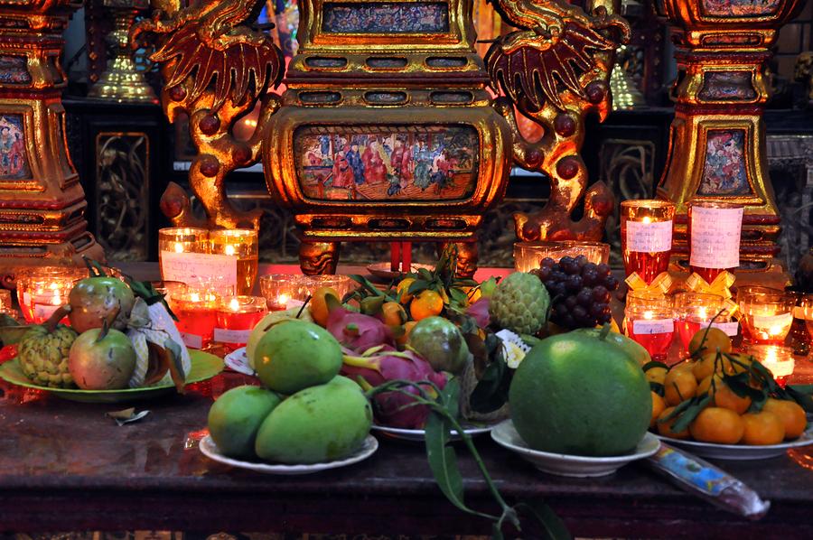 Vietnamese food offering