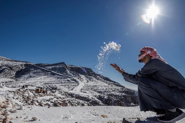 Snow in UAE jebel jais