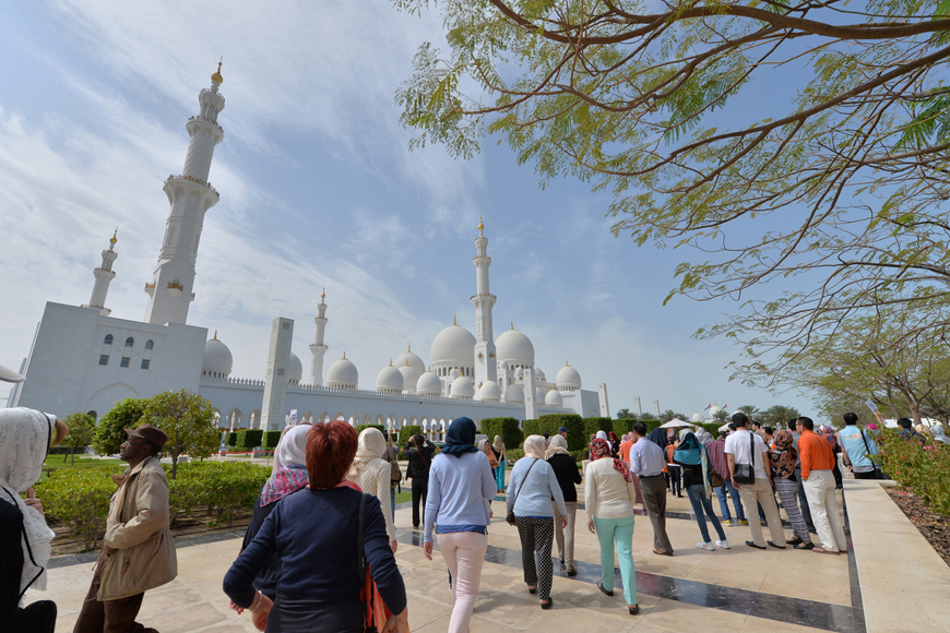 Your Guide to Holidays and Local Tours in Abu Dhabi