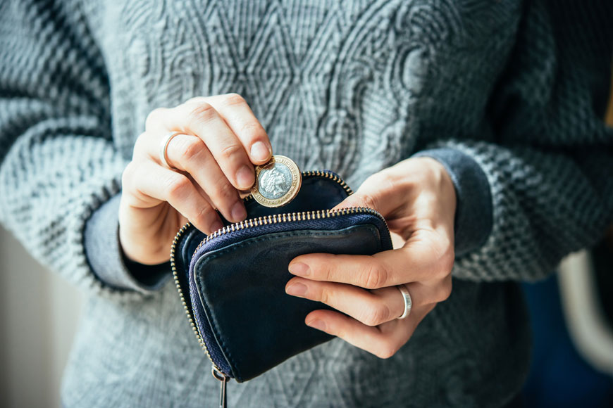 7 Money-Saving Tips to Make Your December Pay Cheque Go Further