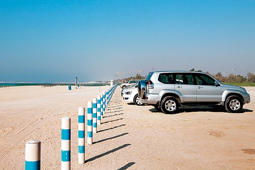 The best beaches in Dubai to visit - 4x4 beach in Dubai - top Dubai beach to visit