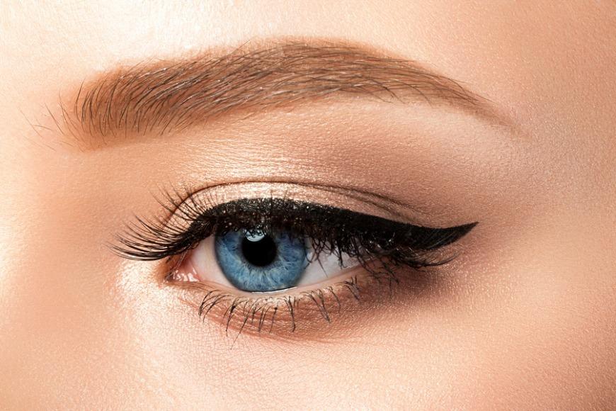 16 Make-Up Hacks Every Girl Needs to Know