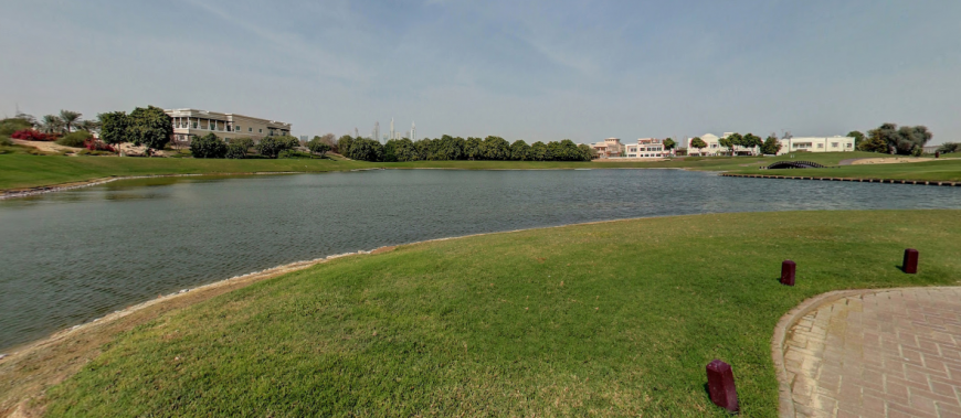 Emirates Hills green spaces