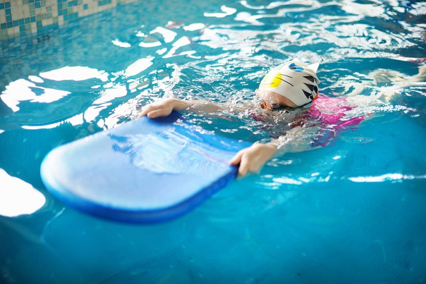 Swimming lessons for kids in Doha