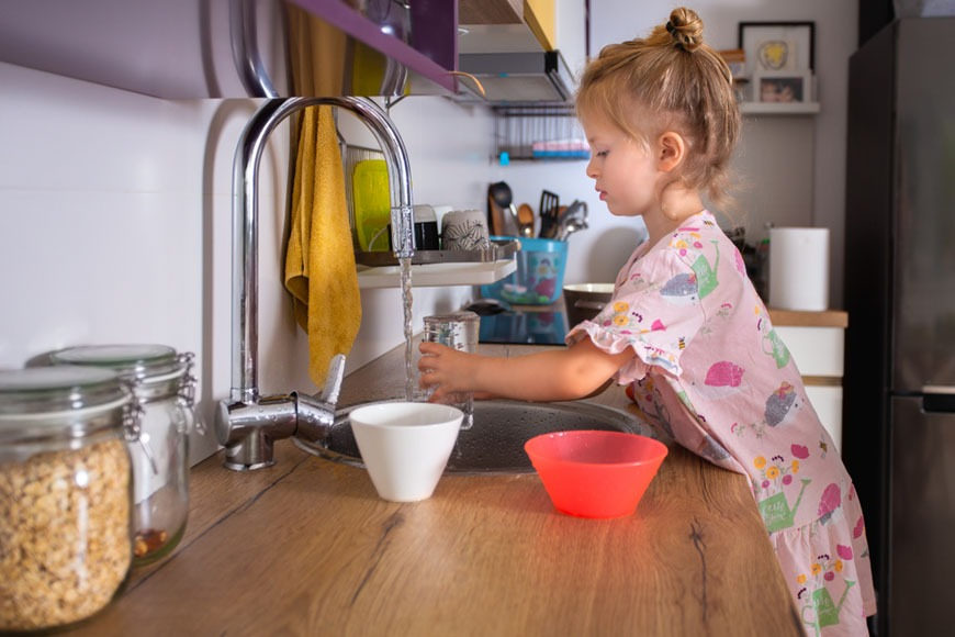 Is filtered tap water safe for children?