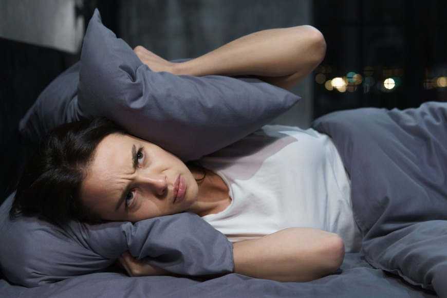 woman sleeps three hours less than her partner every night