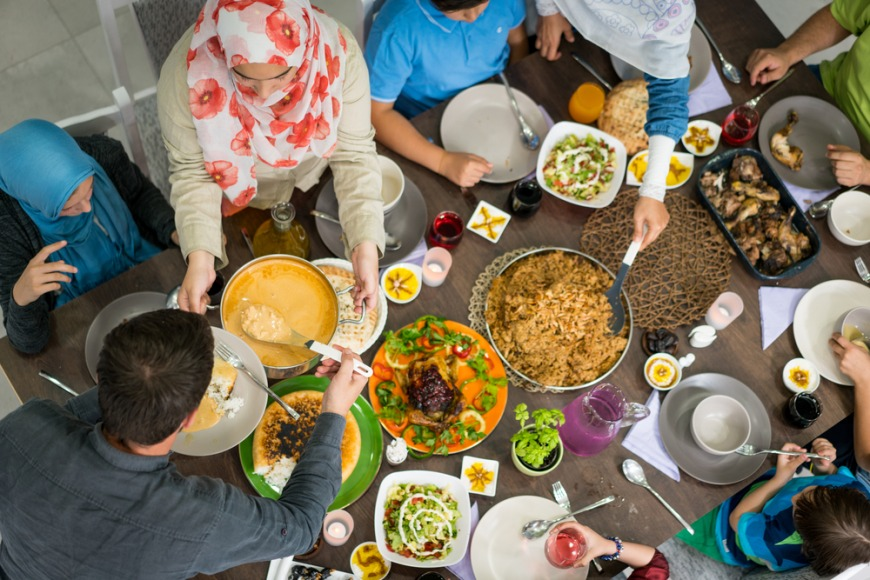 What should non Muslim expats avoid during Ramadan