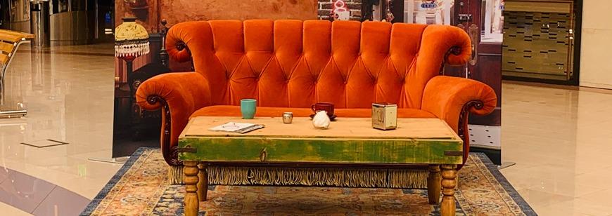 Friends Couch in Dubai at ExpatWoman's Festive Fair