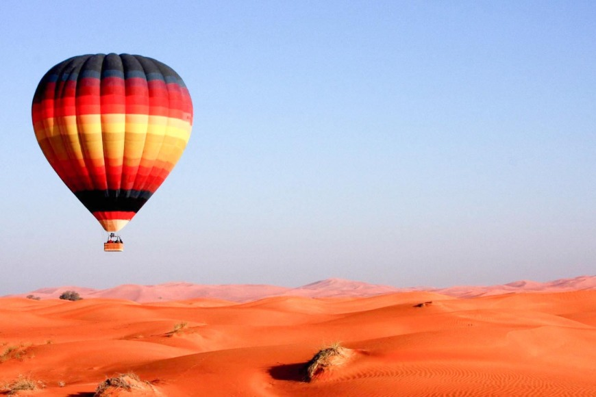 6. See the UAE in a hot air balloon