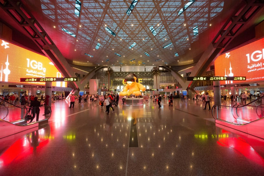 Transiting in Qatar while travelling with an airline other than Qatar Airways allows you to apply for a 24-hour transit visa only.