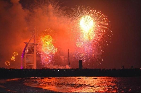 Burj Al Arab   Photo: IG @vsco.hunter