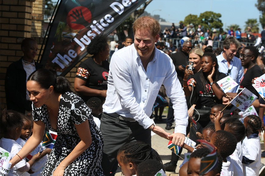 Harry and Meghan greet fans in Cape Town (Ian Vogler/PA)