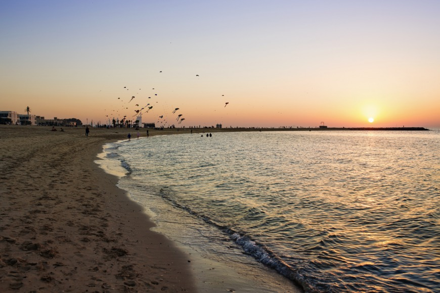The best beaches in Dubai to visit - Dubai's kite beach - top beach in Dubai