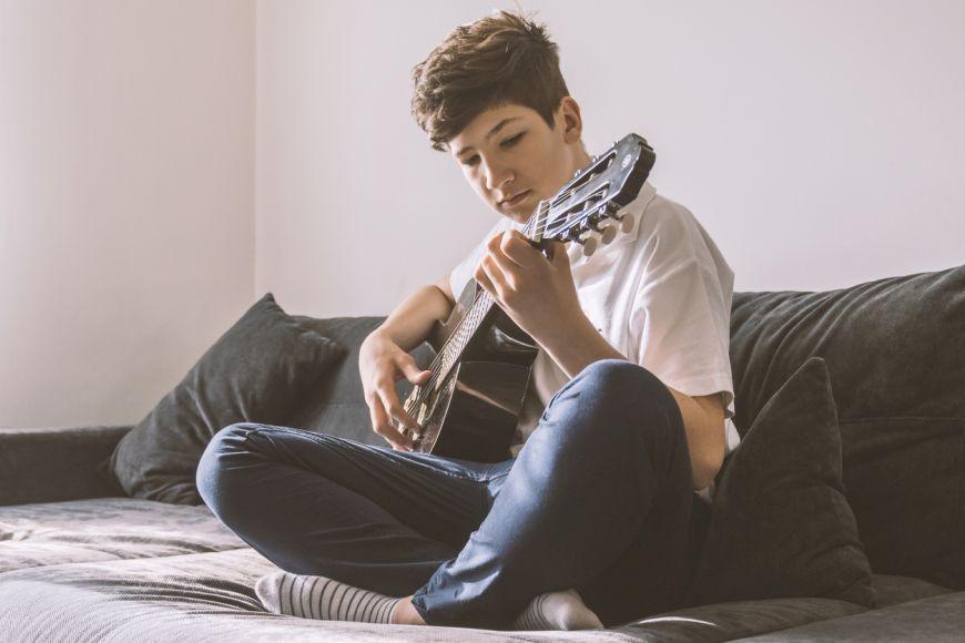 Guitar Lessons in Dubai | Melodica Music and Dance Institute