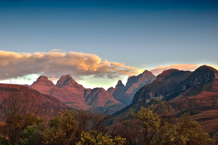 Expat Life in South Africa: The Discoveries I Made: Cathedral Peak in the Drakensburg