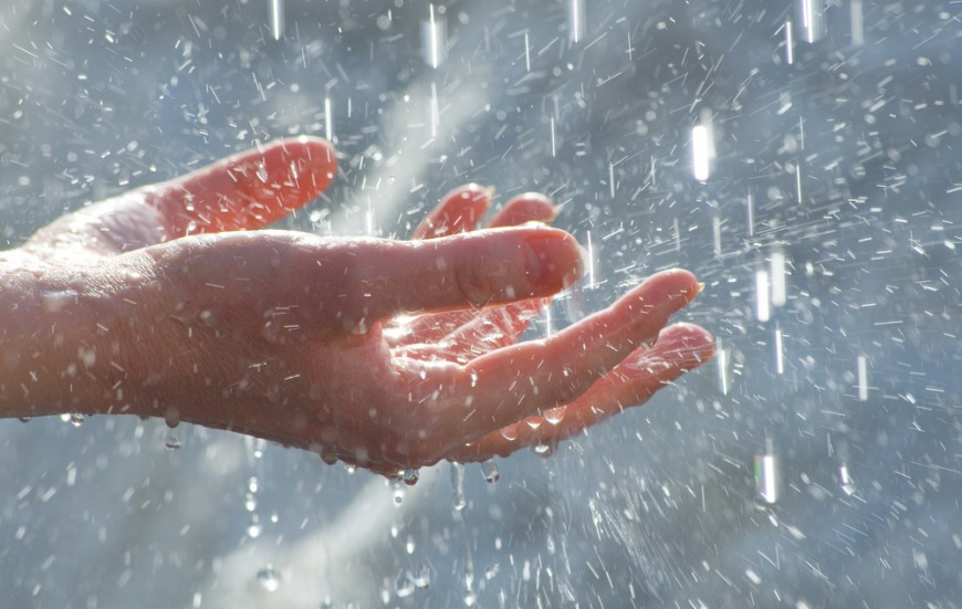 Solar powered rain at Dubai Expo 2020