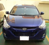 2013 Hyundai Tucson lady driven for sale ( 62000 kms done with full service history at Juma Al Majed Hyundai service center )