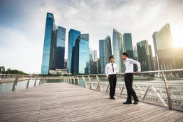 Etiquette and lifestyle in Singapore