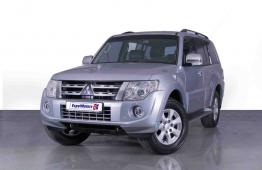 SUMMER OFFER • 0% DP • 1,150 PM • 2014 Mitsubishi Pajero 3.5 V6 GLS Platinum • Warranty • GCC • FSH