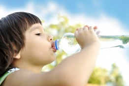 How to Protect Your Children from Dehydration and Heat Illnesses