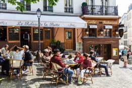 Relocating To France - Social Customs, Culture and Etiquette