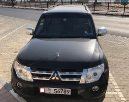 FOR SALE Mitsubishi PAJERO FULL OPTIONS / BLACK / 2013 / EXCELLENT CONDITION