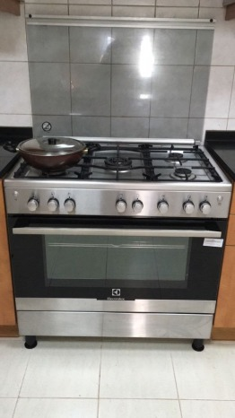 Electrolux 90 X 60 cm, 5 Burners Gas Cooker