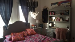 Full beautiful high end girls bedroom with Chandeler/desk and chair included for very attractive price