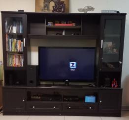 TV Stand with shelfs