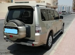 Pajero gold color full option 3.5l