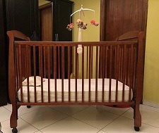 Baby cot with mattress & cot bumper