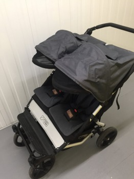 Mountain buggy duet with travel bag