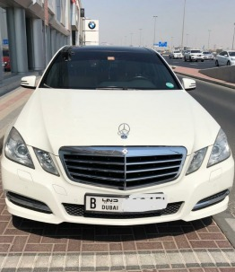 Mercedes E250 Avatgarde .2012. Doctor owned