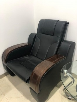 Leather chairs, leather sofas, formal seating chairs which can be used as dining chairs, leather stools and glass tables