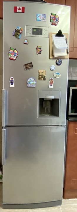 LG Fridge and freezer with built-in water dispenser Excellent Condition (spotless no issues)