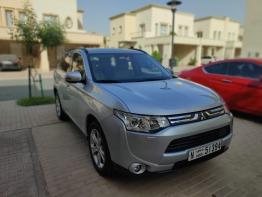 2014 Mitsubishi Outlander, GCC  4WD Top Spec, 7-seater family car, 76,000km - excellent condition