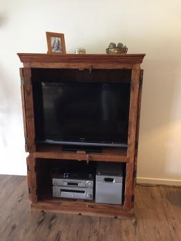 TV Cabinet in solid wood