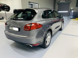 Porsche Cayenne Special edition superbly taken care and brand new looks, Lady Driven, First owner