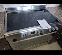 Selling Daewoo 90x60 cooker