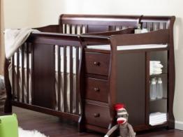 Convertible crib with drawers + bed matt + changing matt