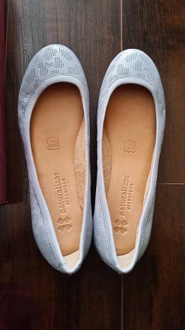 CUTE brand new Naturalizer comfy leather flats for sale