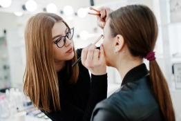 ESMOD Dubai - Professional Fashion Makeup
