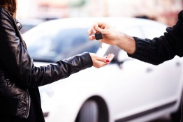 Car Selling – How Expat Women Can Sell Their Cars in the UAE