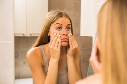 Remove dark circles and eye bags